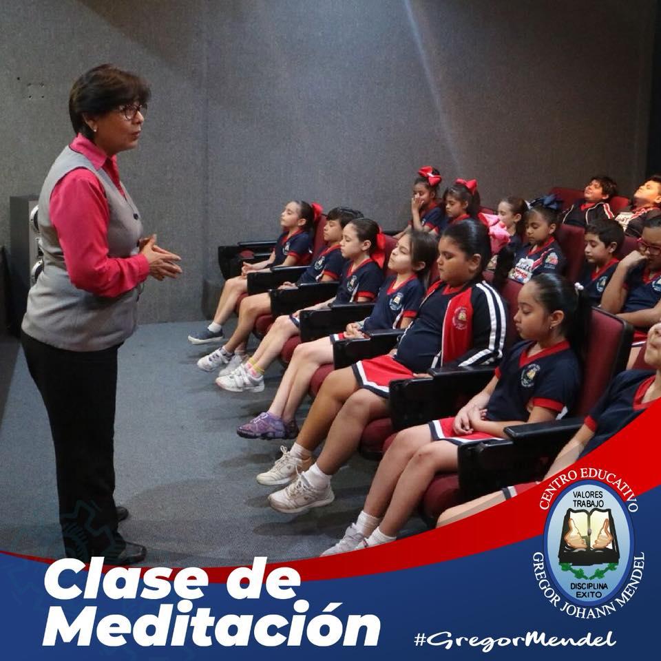 clase-meditacion-colegio-primaria-monterrey.jpg